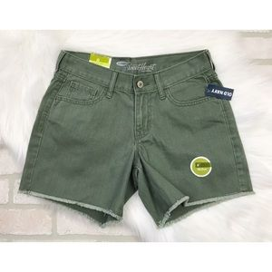 NWT Old Navy Sweetheart Green Jean Shorts